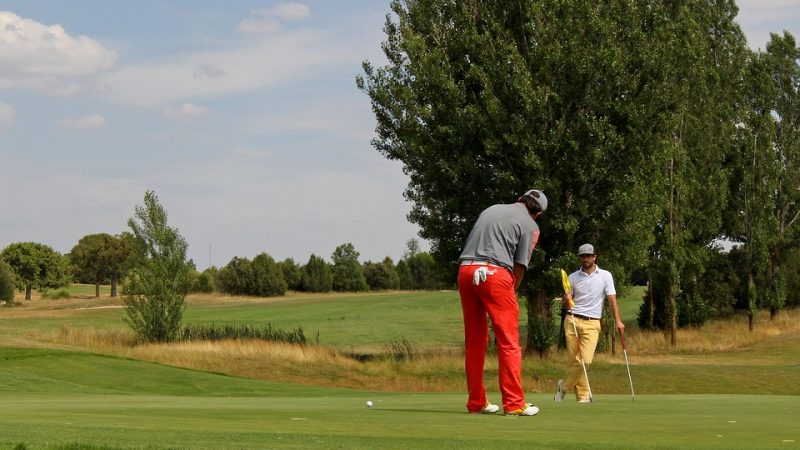 What is all the fuss about horse race golf?